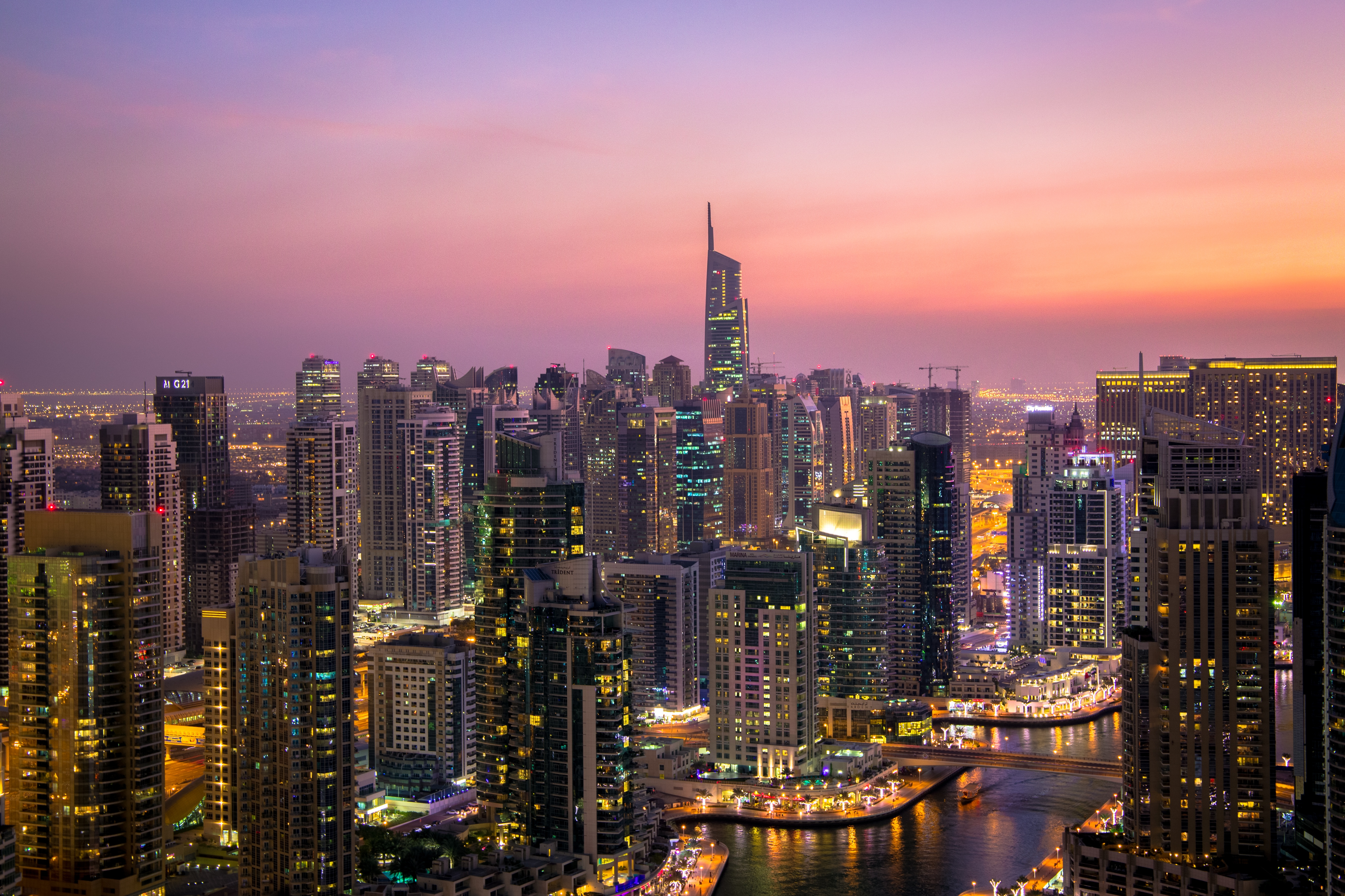 Backpacking in Dubai, The Worlds Richest City: AirTreks